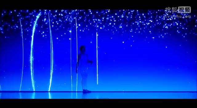 超赞人与光配合的绚丽舞蹈
