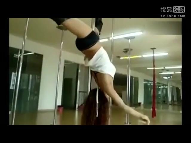 美女热舞视频 性感超短裙美女热舞诱惑穿高跟鞋跳