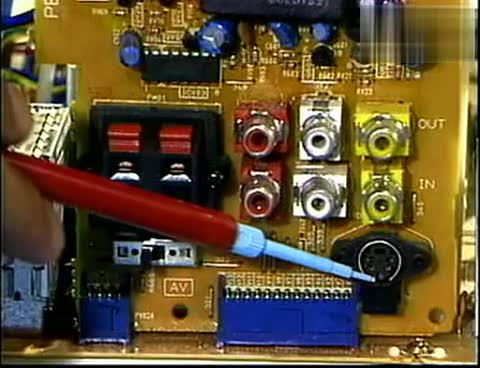 大屏幕彩色电视机维修22 av端子的检查部位