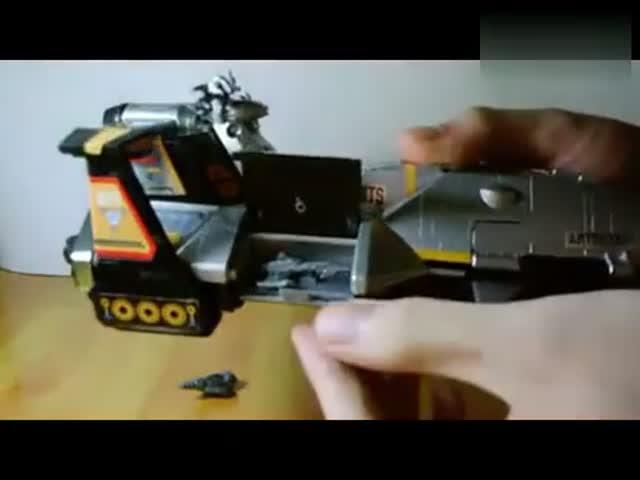 迪迦奥特曼飞机雅格迪斯号玩具模型
