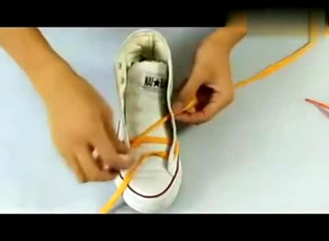 鞋带的系法图解 一根鞋带绑出新花样 鞋带的24种系法