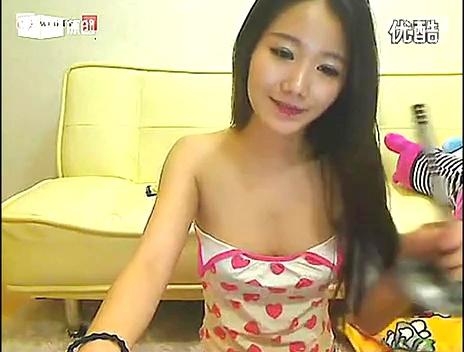 韩国美女自拍诱惑热舞劈腿舞vs韩国女主播