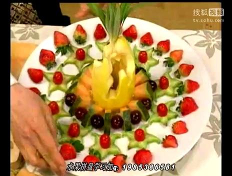 水果拼盘西瓜皮雕花,苹果花水果拼盘