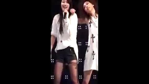 短裤黑丝美腿 韩国 性感美女热舞
