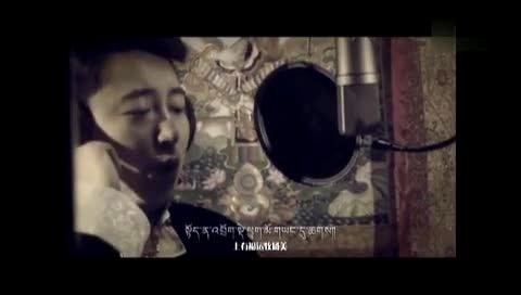 藏族歌手谢旦结婚照