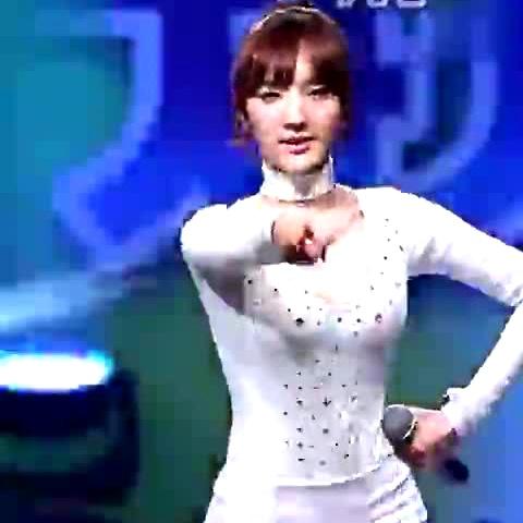 极品韩国美女紧身短裤热舞