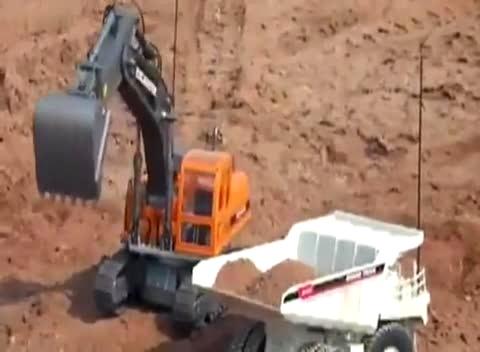 科技小制作-电动 遥控车 厉害挖掘机 远程 遥控挖掘机给玩具模型 自卸图片