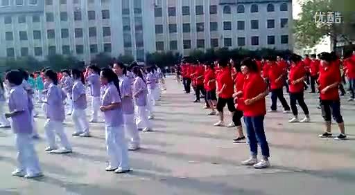 """天津渤海职业技术学院 """"千人广场舞"""" 最炫民族风!"""