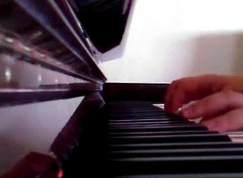 夺走那嘴唇 钢琴版-模仿翻唱