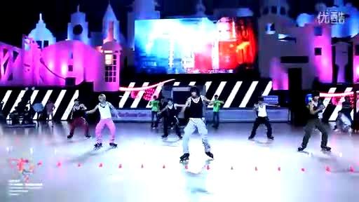2011 上海 国际花样*自由式轮滑公开赛 开幕式表演 mst (冯辉 张颢)