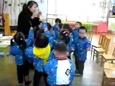 年度小四班宝宝配合曹甸中心幼儿园老师优质课评比