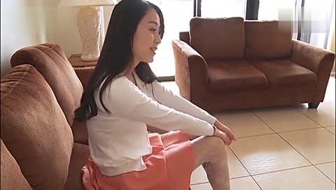 美女老师脱白制服群丝袜