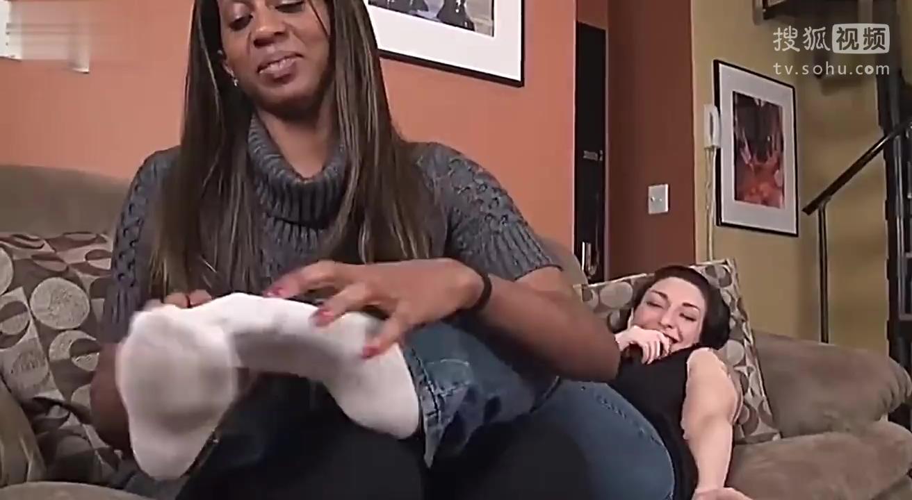女奥特曼被挠痒痒 视频在线观看